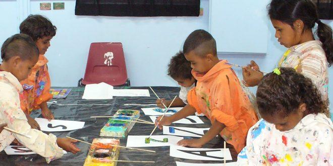 Cherbourg children creating artwork for Budburra's Alphabet