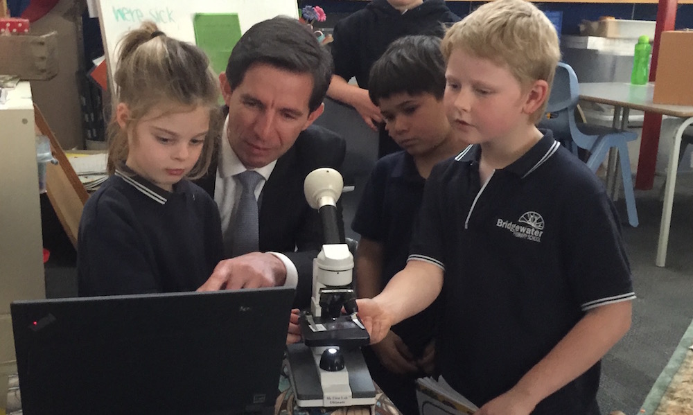 Minister Simon Birmingham at Bridgewater Primary in SA