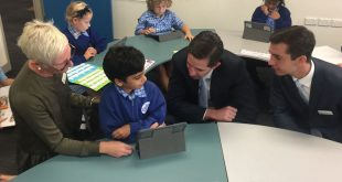 Education minister Simon Birmingham in a classroom at Windsor State School, Queensland.