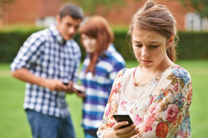 Photo of Hundreds of cyberbullying victims lodge formal complaints with e-Safety Commissioner