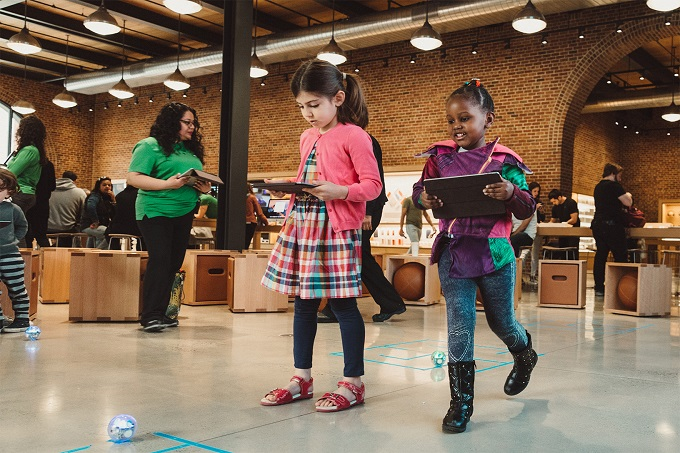 Free 'Hour of Code' sessions popping up at Apple Stores plus