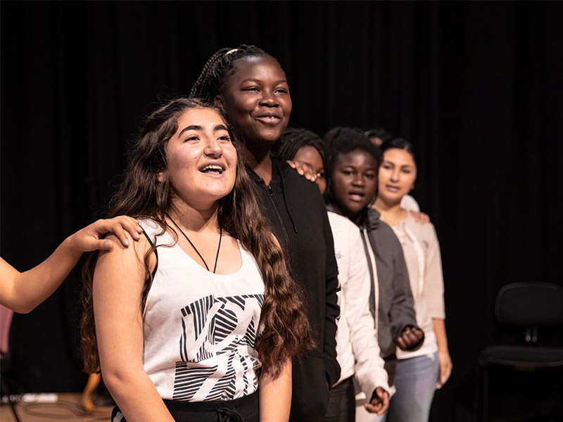 Photo of Performance brings healing to refugee students