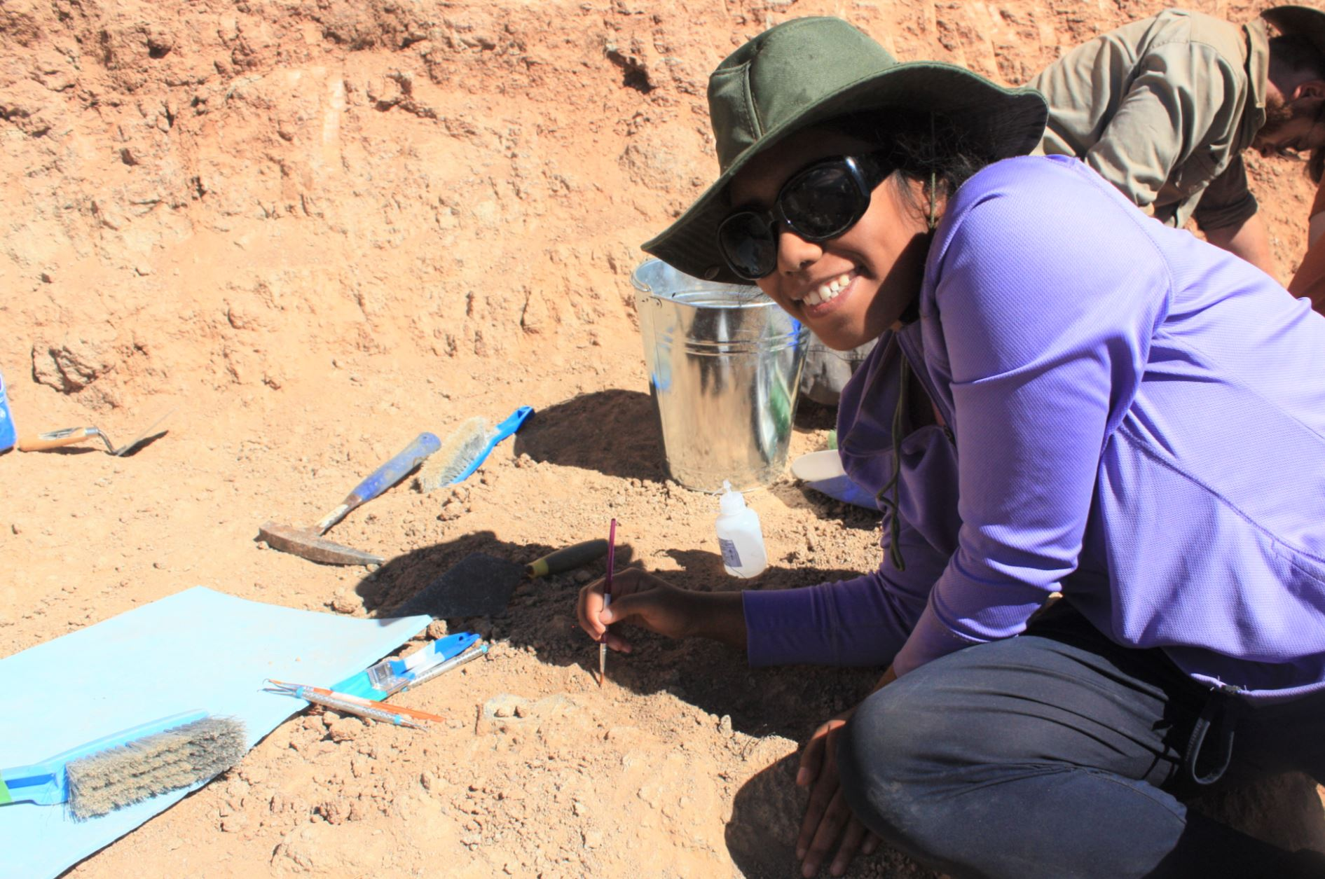 Photo of Outback fossil dig opens student eyes