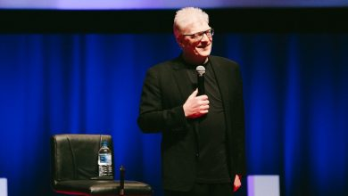 "Photo of Vale, Sir Ken Robinson, ""teaching is an art form"""