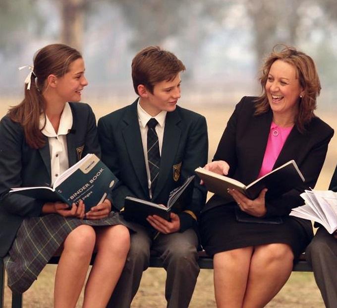 Kylie Elling & students